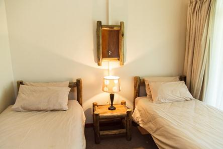 Badplaas, A Forever Resort: 4-Bedroom Guest House (1 double bed, 6 single beds & sleeper couch)