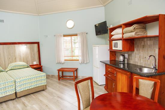 Badplaas, A Forever Resort: 4-Sleeper Economy  Rondavel. Open plan (4 single beds)