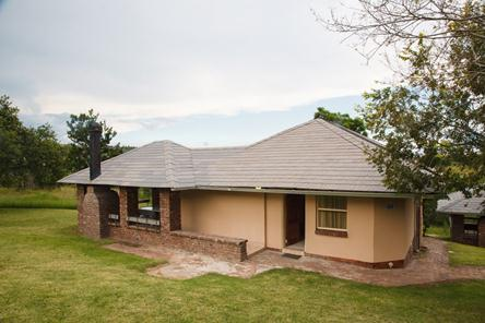 Badplaas, A Forever Resort | Holiday destination near eManzana and Carolina | leisure, corporate, conference, weddings, hotel, accommodation, health hydro, spa, water park | Mpumalanga | South Africa: 6-Sleeper Chalet. 3 bedrooms (1 double bed & 4 single beds)