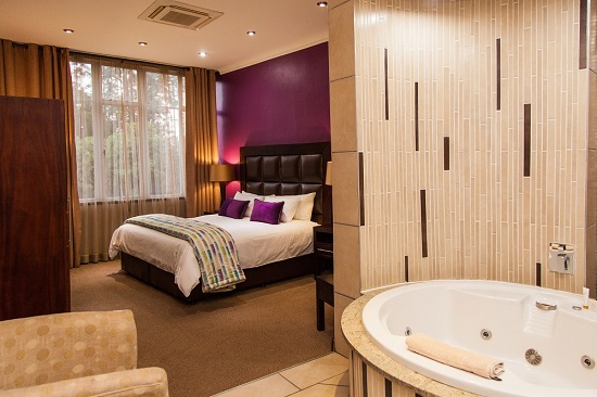 Badplaas, A Forever Resort | Holiday destination near eManzana and Carolina | leisure, corporate, conference, weddings, hotel, accommodation, health hydro, spa, water park | Mpumalanga | South Africa: 2-Sleeper Hotel Suite (1 queen bed)